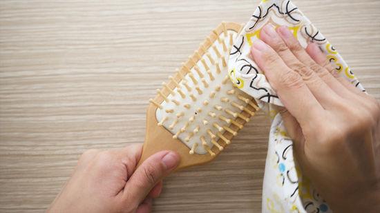 lavare le spazzole capelli
